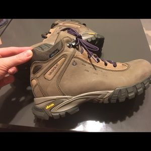 d385a9ce0e3 Vasque Talus Mid Ultra Dry Waterproof Hiking Boots NWT